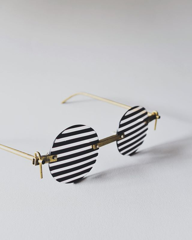 We think it would be fun if and when the opportunity arises to design glasses.  Would you order a pair? . . . . . #otaglassstudio #otaglass #sydney #glass #glassjewellery #handmade #design #handmadejewelry #art #craft #light #stripe #photography #lifestyle #style #fashion #australia #photooftheday #オオタガラススタジオ #オオタガラス #シドニー #オーストラリア #ジュエリー #ガラス #ファッション #ハンドメイド #眼鏡 #デザイン