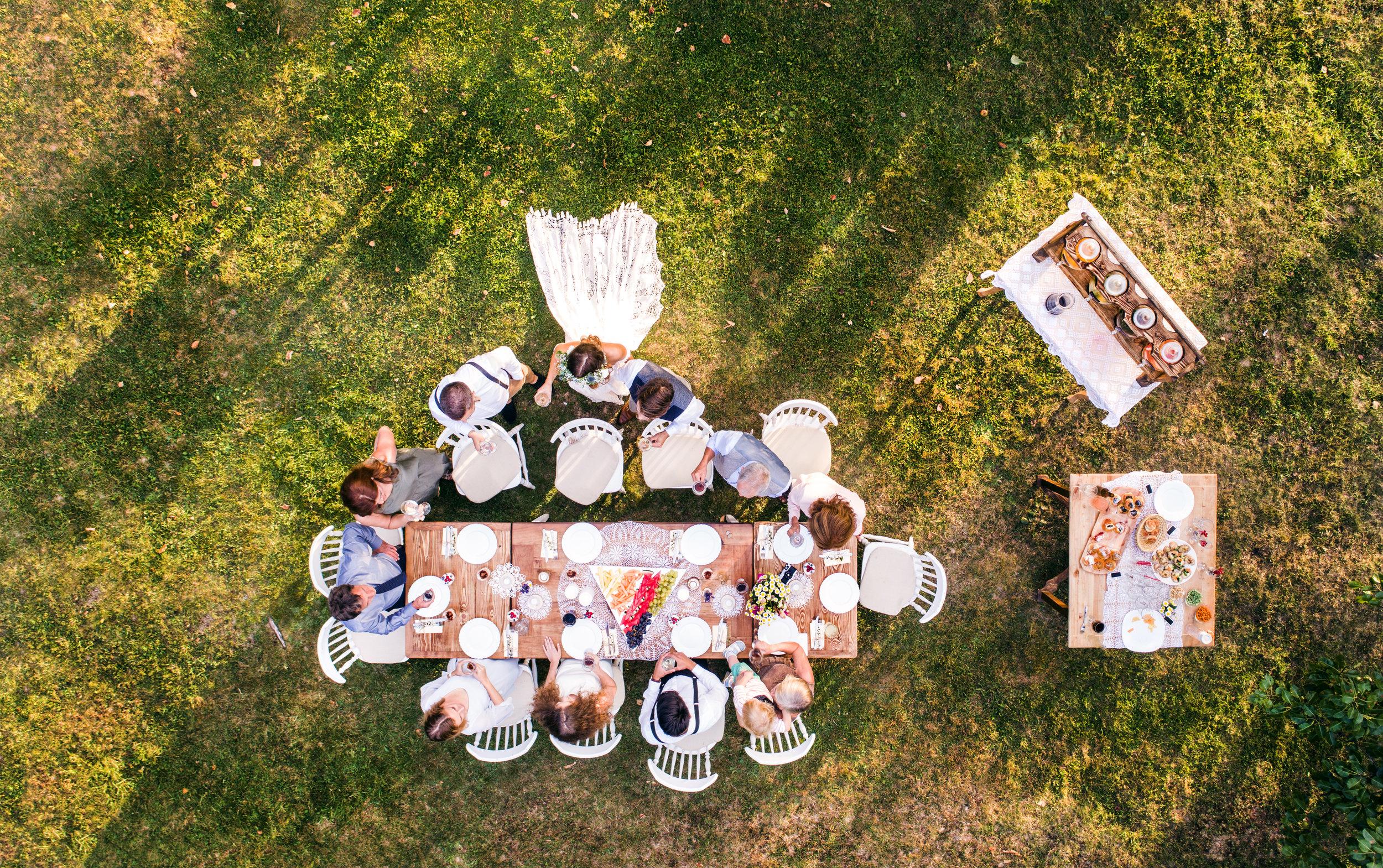 wedding-reception-outside-in-the-backyard-PE45CLS.jpg