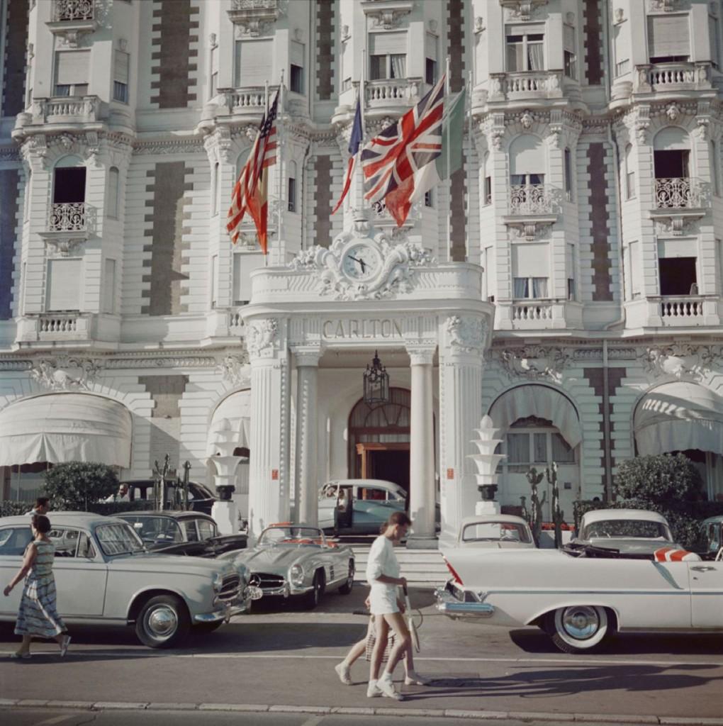 Carlton-Hotel1-1020x1024.jpg