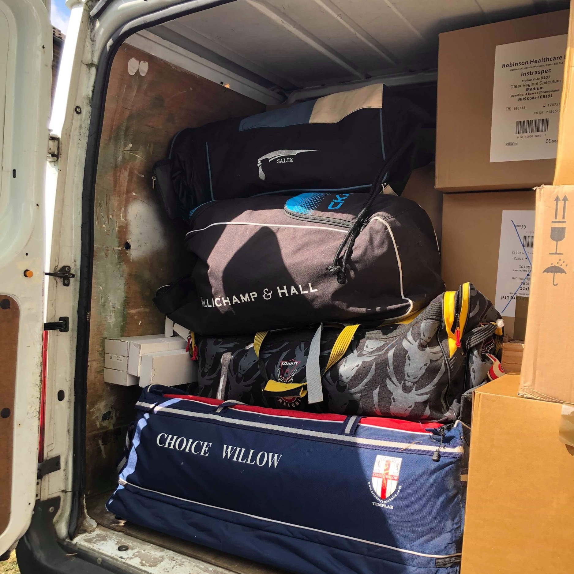 Our awesome 'Van Man' - Angus from Herts for Refugees - collected the kit from Sandra to start its journey to Athens. Next stop Mondial shipping where transport costs were generously paid by Julie and our friends at Friends of Refugees Bedfordshire. (Don't you just love a beautiful collaboration 💖)