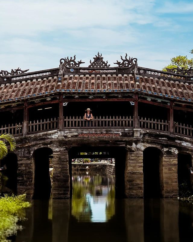 ✵ Hoi An the ancient city that transports you back to a distant time. This Japenese Bridge was built in the 18th century as a way for the Japanese, who at the time lived here, to reach the Chinese quarter on the other side. Every building here offers a rich history, every meal is refined yet flamboyant and every lantern glows bright lighting the dark paths. Hoi An is truly a place of beauty, a place of art and a place of culture. -