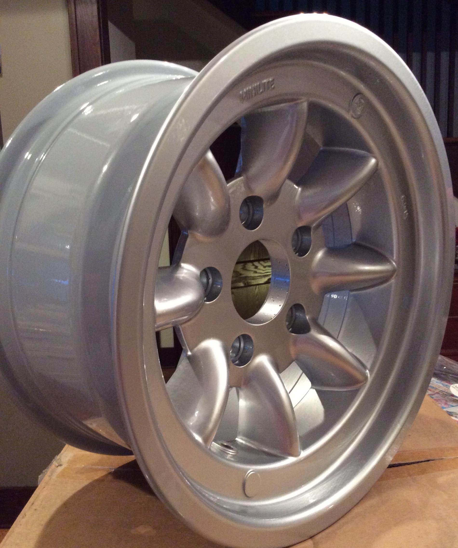 8x15 Minilite Mag Style wheel
