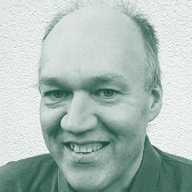 Franjo Grotenhermen - Franjo Grotenhermen, MD, nacido en 1957, cuenta con estudios en Medicina en la Universidad de Colonia. Está dirigiendo una práctica médica, dedicada principalmente al uso médico de cannabis y cannabinoides. El Dr. Grotenhermen es fundador y presidente de la Asociación Alemana de Cannabis como Medicina (ACM), fundador y Director Ejecutivo de la Asociación Internacional por el Cannabis como Medicamento(IACM)(www.cannabis-med.org) y presidente de la Declaración Médica de Cannabis (MCD). Es editor del IACM-Bulletin, que se publica quincenalmente en varios idiomas y editor de la revista de internet CANNABINOIDS, publicada en el sitio web de la IACM. Es director del Instituto Nova de Colonia y autor de numerosos artículos, libros y capítulos de libros sobre el potencial terapéutico, la farmacología y la toxicología de los cannabinoides.
