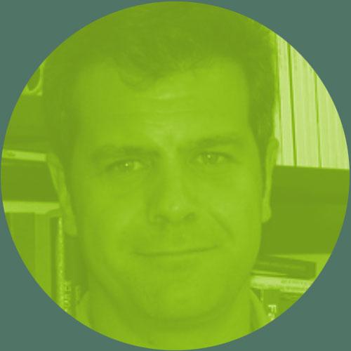 """Prof. Carlos Goicoechea - Biólogo. Catedrático de Farmacología en la Universidad Rey Juan Carlos. Coordinador del Grupo de Excelencia Investigadora URJC-Santander """"Grupo Multidisciplinar de Investigación y Tratamiento del Dolor"""". Autor de 52 artículos en revistas internacionales, investigador en 52 proyectos y contratos (7 de ellos como investigador principal), 83 participaciones en congresos nacionales (45 como ponente invitado) y 103 en internacionales (16 como ponente invitado), 15 Tesis Doctorales dirigidas, 9 premios de investigación (2 internacionales). Vocal del CEIC del Hospital Universitario Fundación Alcorcón. Evaluador para la Agencia Nacional de Evaluación y Prospección (ANEP) y para el Instituto de Salud Carlos III (FIS). Secretario de la Sociedad Madrileña del Dolor."""