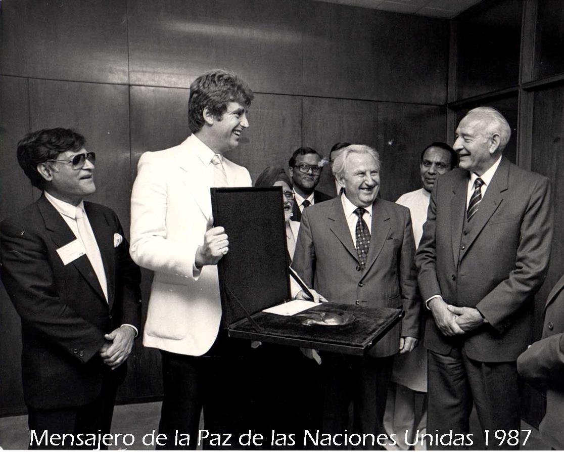 Carlos Mensajero de la Paz en 1987.jpg