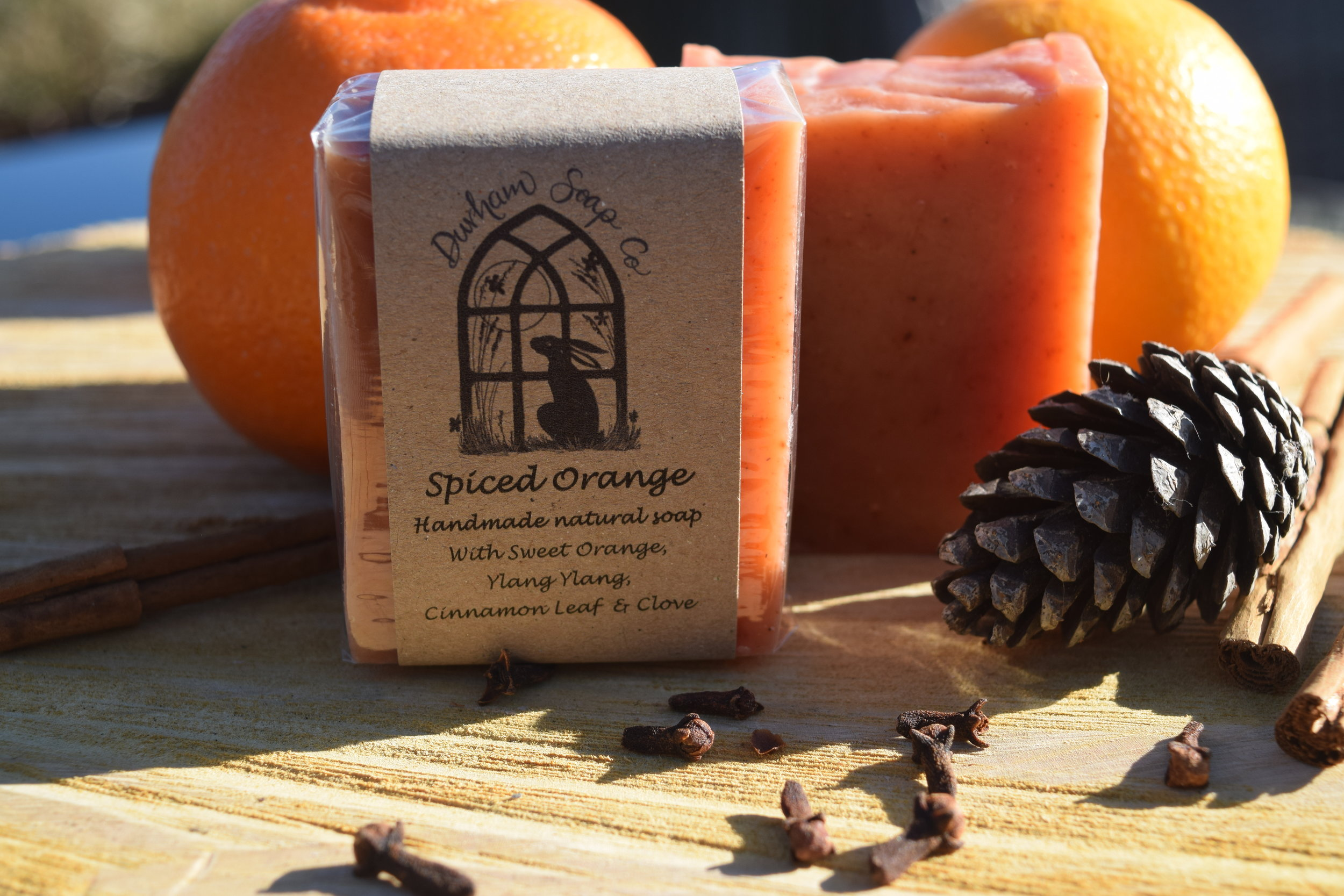 Spiced Orange - Natural soap, handmade with our blend of pure plant oils, enriched with moisturising shea butter, cocoa butter and castor oil for a rich and creamy lather. Our soap is fragranced with a blend of sweet orange, cinnamon, clove and ylang ylang essential oils to evoke the warming scents of the kitchen and fireside over the festive season.Ingredients: Olive oil, coconut oil, sunflower oil, shea butter, cocoa butter, water, castor oil, sweet orange oil, paprika, ylang ylang oil, cinnamon oil, clove bud oil, Vitamin E, benzyl benzoate*, benzyl salicylate*, eugenol*, farnesol*, limonene*, linalool*, * = occurs naturally in essential oils.Net weight: 100 g
