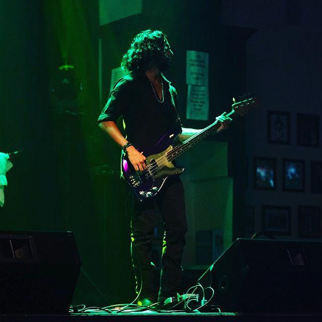 @xeones_bass in his element #bassguitar #rockbassist #sessionbassist #fenderbass #drbassstrings #dmvmusicians #rockstar #musicphotography #concertphotography #concertphotographer #fenderjazzbass #fenderpbass #ampeg #instabass #notreble #bassplayersunited #allaboutthatbass #tech21nyc #schreinermusic #lovewhatyoudo #dcmusicscene Photo credit @greenberetmedia