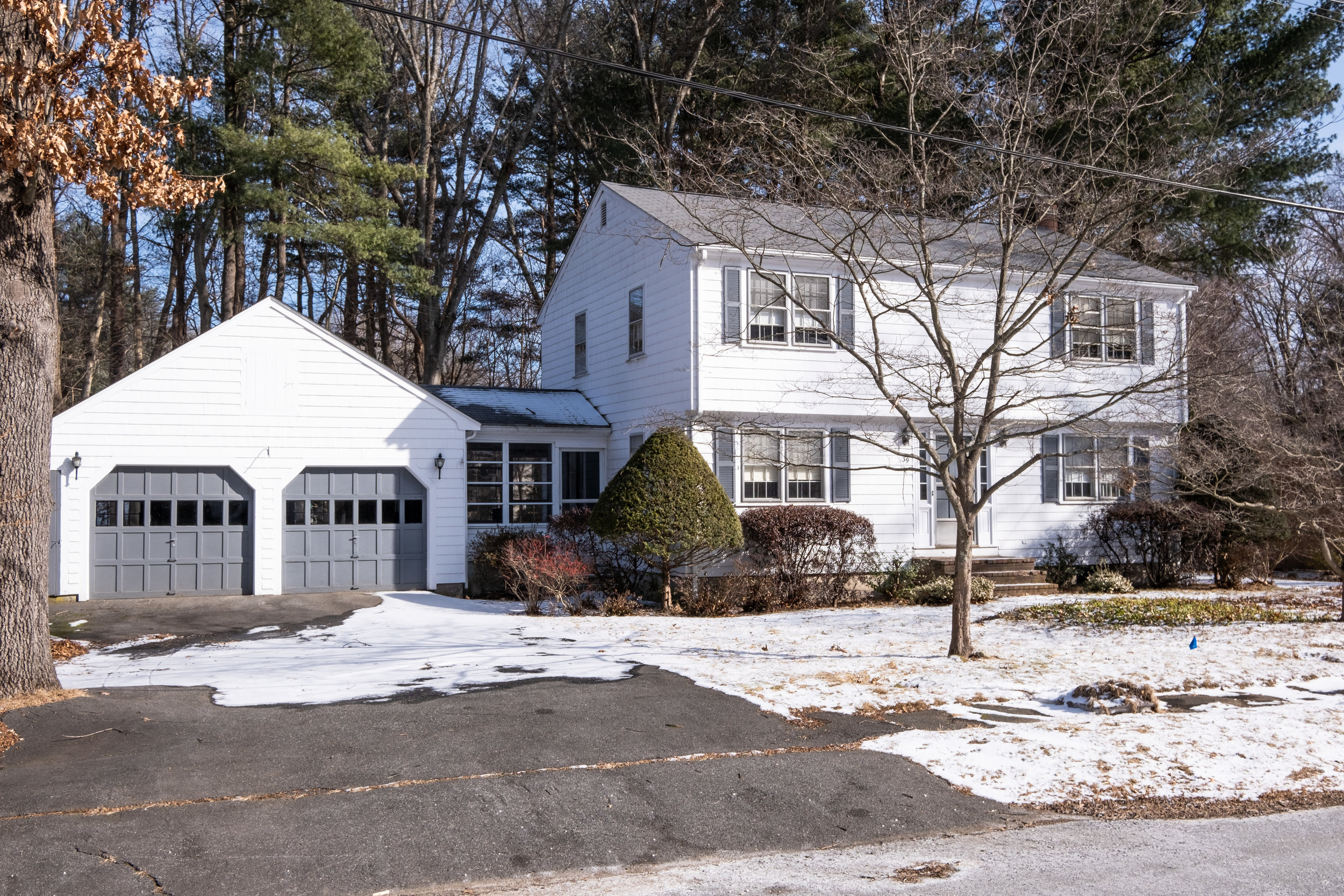 39 Tally Ho Drive - Click to view