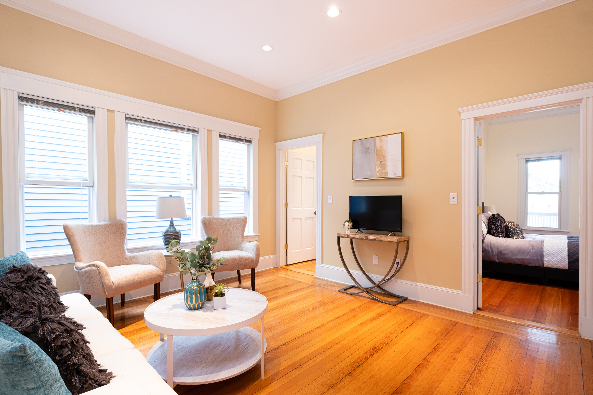 373 Broadway - Click to View
