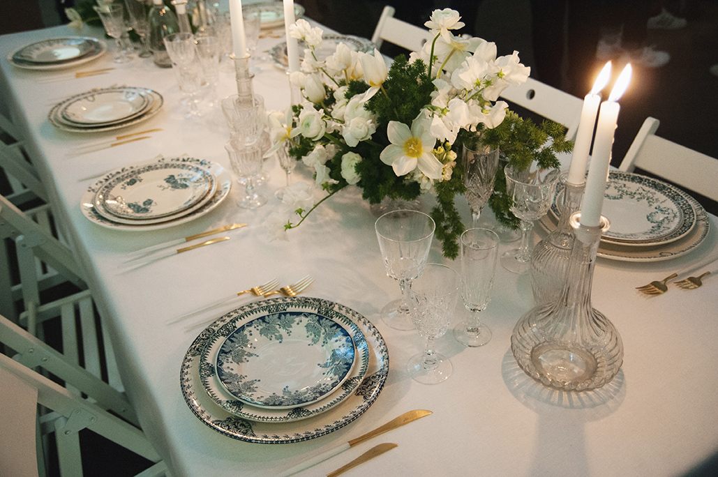 la jolie table de Vaisselle Vintage