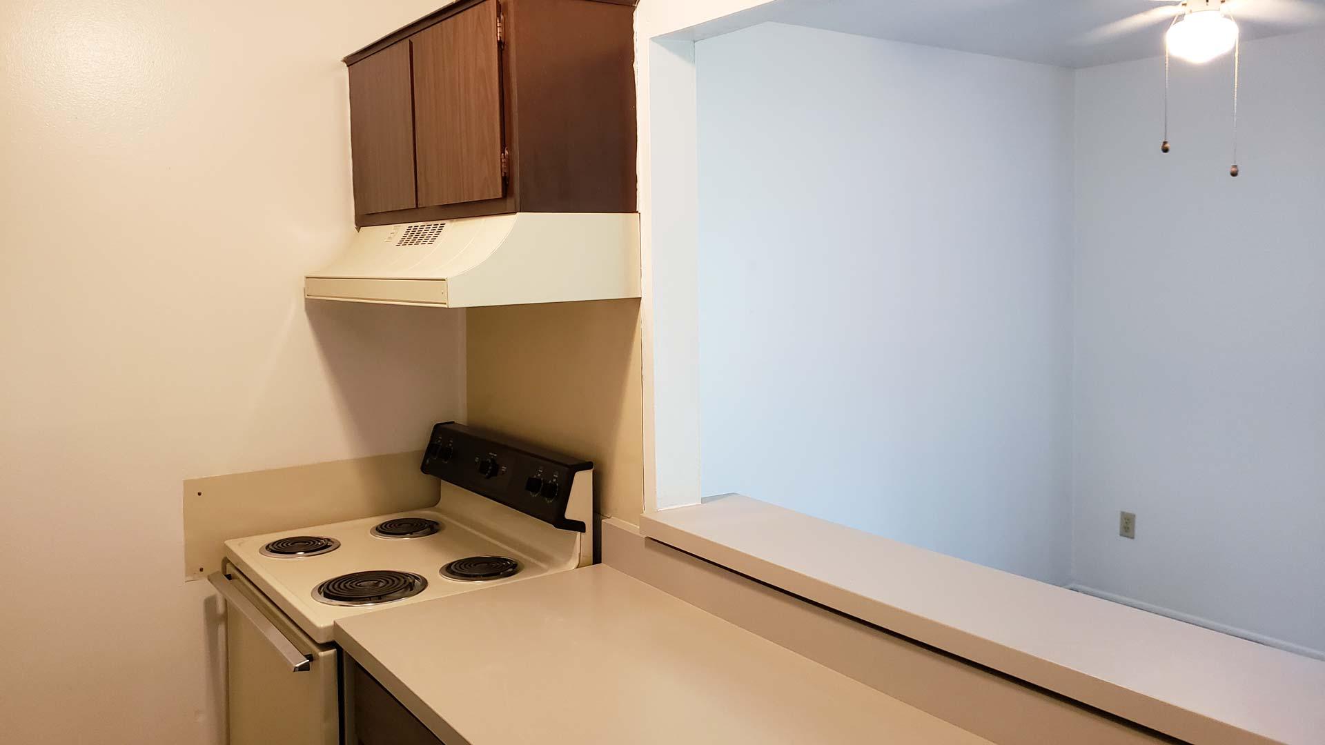 Old-Towne-Villa-Apartment-Kitchen.jpg