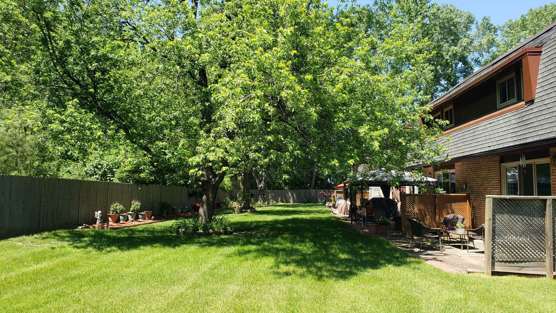 Old-Towne-Villa-Apartment-Backyard.jpg