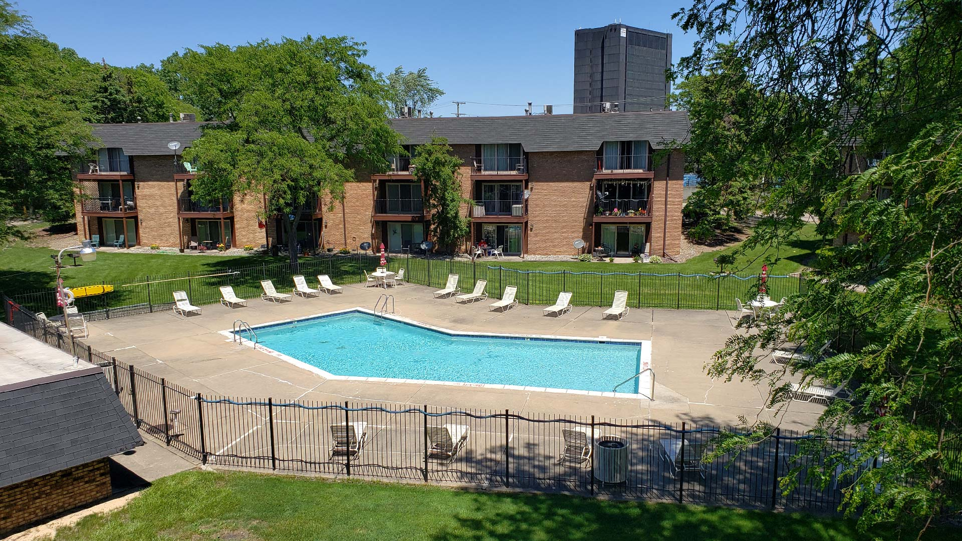 Old-Towne-Villa-Apartments-Pool.jpg