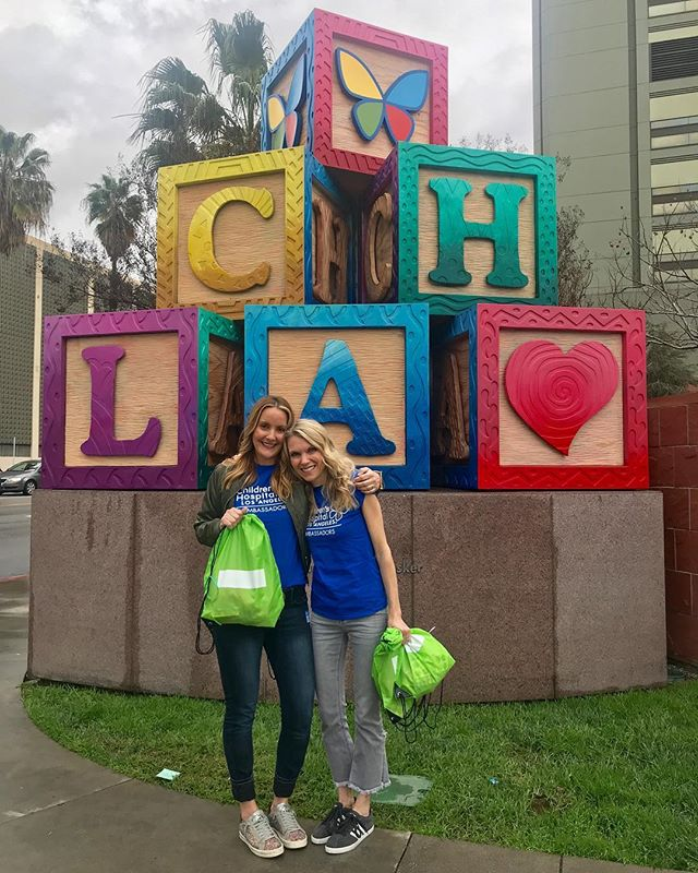 """Today was amazing! Today, @ginnysgallagher and I got the privilege of delivering """"backpacks of HOPE"""" to the the kids @childrensla.  Thank you @marinerschristianschool for teaching our kids the meaning, value and importance of giving back! #loveyourkids #chla #marinerschristianschool #givingback #differencemakers #momlove #togetherwecan"""
