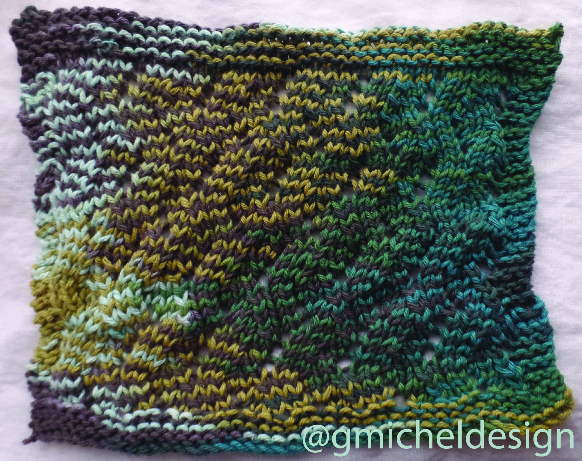 Pattern:    Lacy ZigZag    by    Love 2 Knit Dishcloths