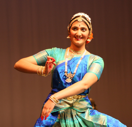 Meet the founder, Ambika - Ambika is a passionate exponent of the art of Bharathanatyam, a form of Indian classical dance. She is also passionate about the cause of women's empowerment in the world. She believes that when women thrive, society as a whole thrives.In 2009, Ambika organized and performed in a solo dance program designed to raise awareness and funds in support of two bay area organizations (Maitri and Asian Women's Home), working on behalf of victims of domestic violence. This was the beginning of illumi.She subsequently organized a fundraiser in 2014, illumi's second event, for Move Up, a nonprofit dedicated to empowering underserved minority women.In 2017, illumi's third event featured a diverse dance festival — Ambika performed solo and welcomed four guest performers — all performing on the theme of women's empowerment.Today, as the founder of illumi, Ambika seeks to raise awareness about women's issues through her passion for dance and the arts.