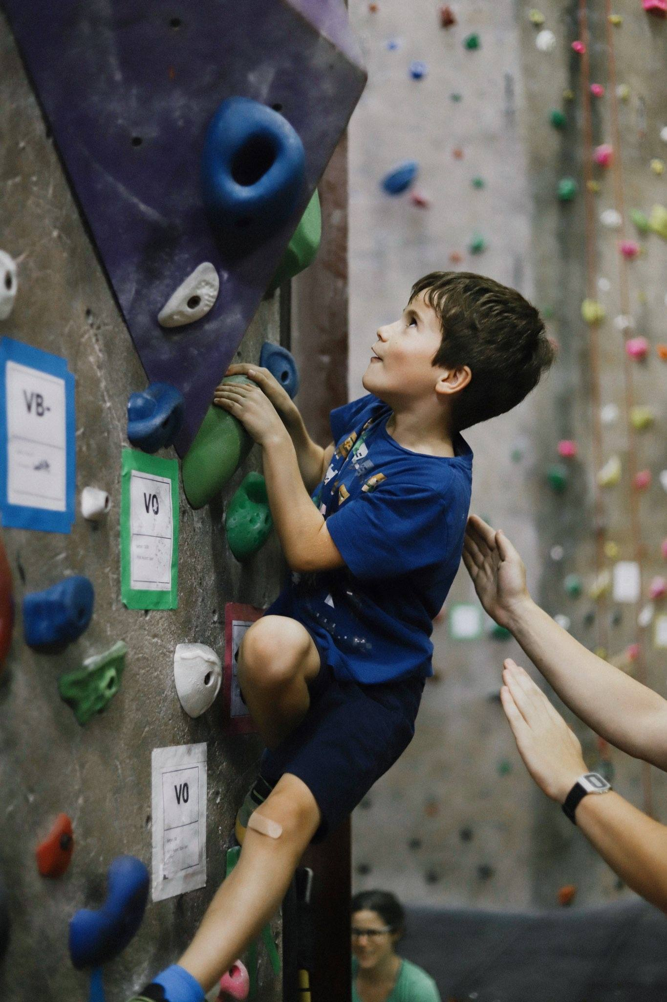 Build Confidence - Learn new climbing skills and set concrete climbing goals to work towards achieving during the season.