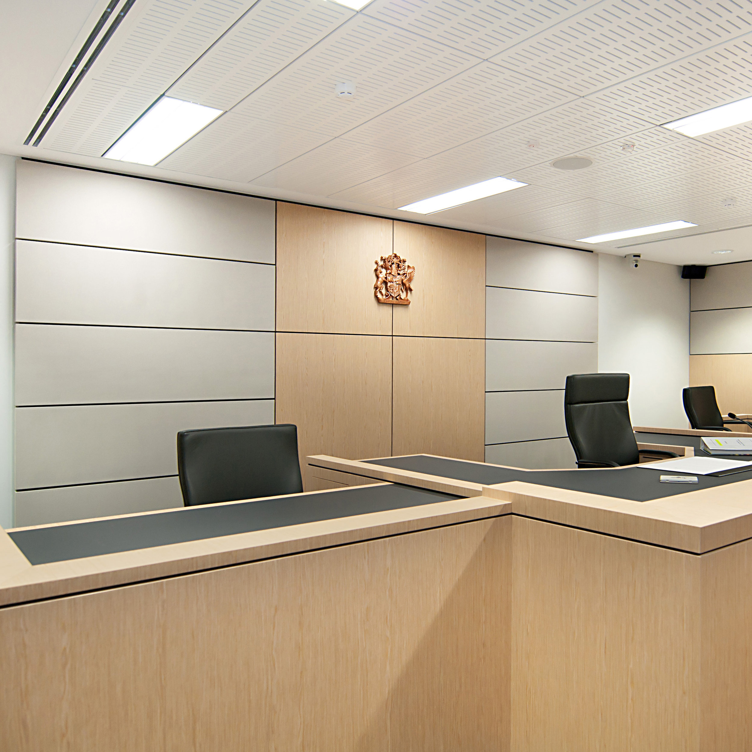 Acoustic modules making it easy to hear in a court room