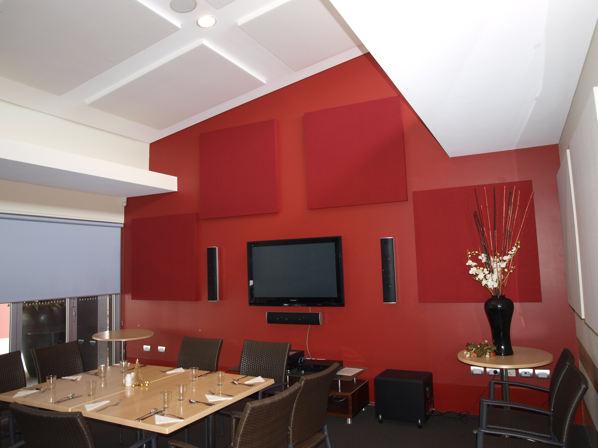 Retirement village dining room made quiet with acoustic modules