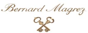 Bernard Magrez,1936年出生,是法国葡萄酒大亨,旗下拥有众多波尔多葡萄酒庄园,包括Chateau La Tour Carnet,ChateauPapeClément,Chateau Fombrauge和Clos Haut-Peyraguey,?#32422;?#20854;他法国葡萄酒产区和其他国家的大量葡萄酒产地。包括西班牙,葡萄牙,智利,阿根廷,日本,摩洛哥和加利福尼亚。 2017年,经证实Magrez先生在波尔多的Pessac-Léognan产区购买了Chateau Le Sartre。