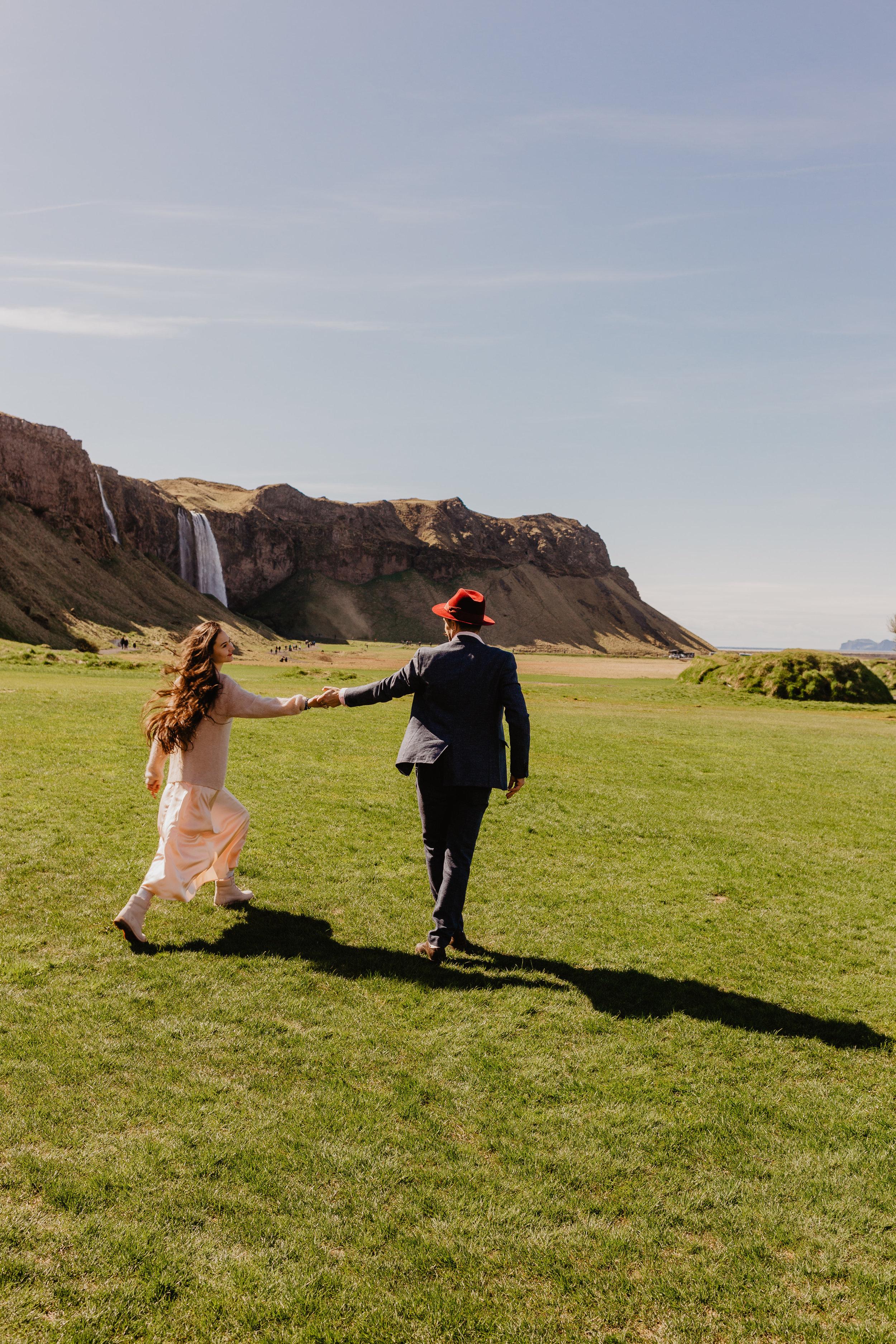 Iceland Couples-69.jpg