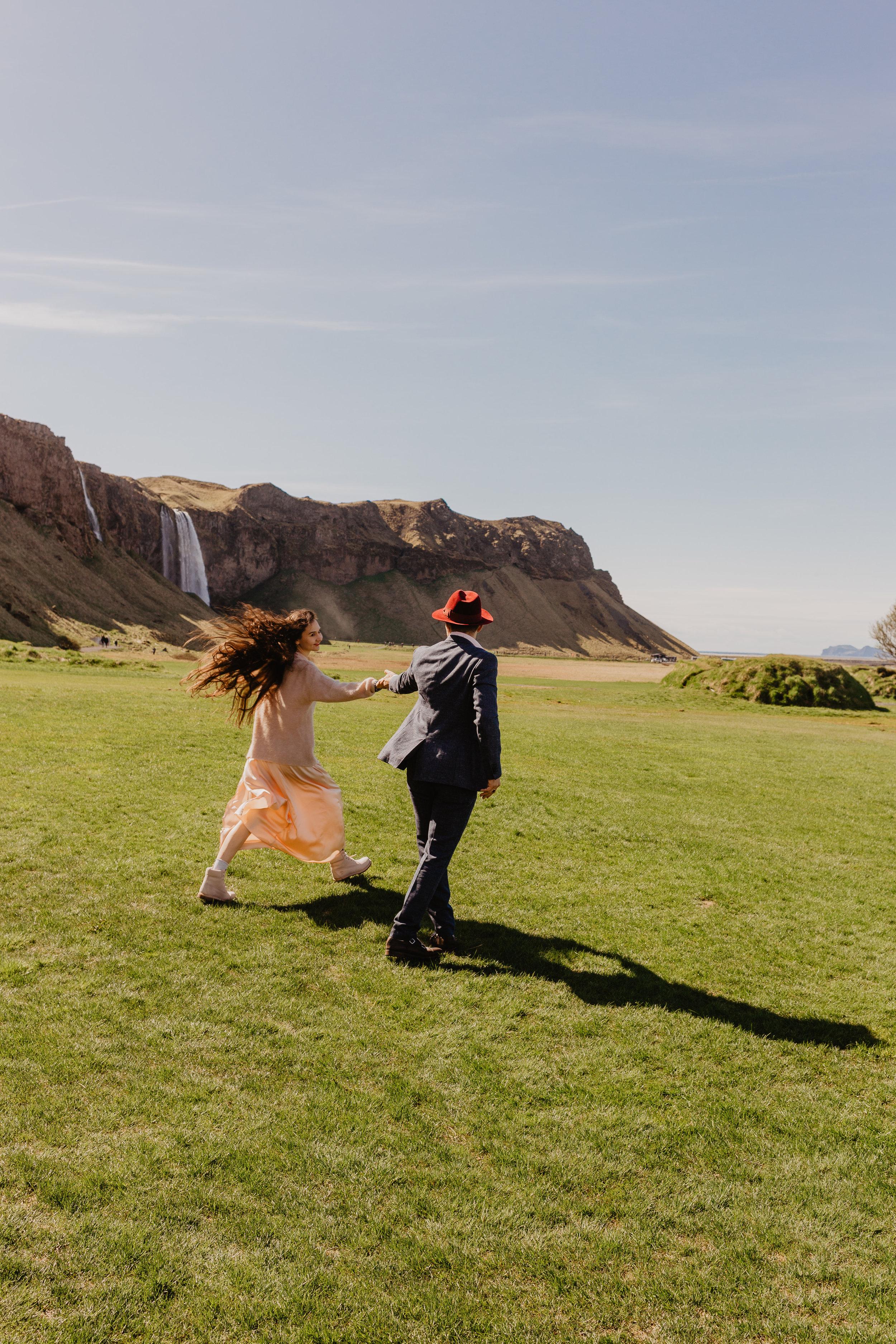 Iceland Couples-70.jpg