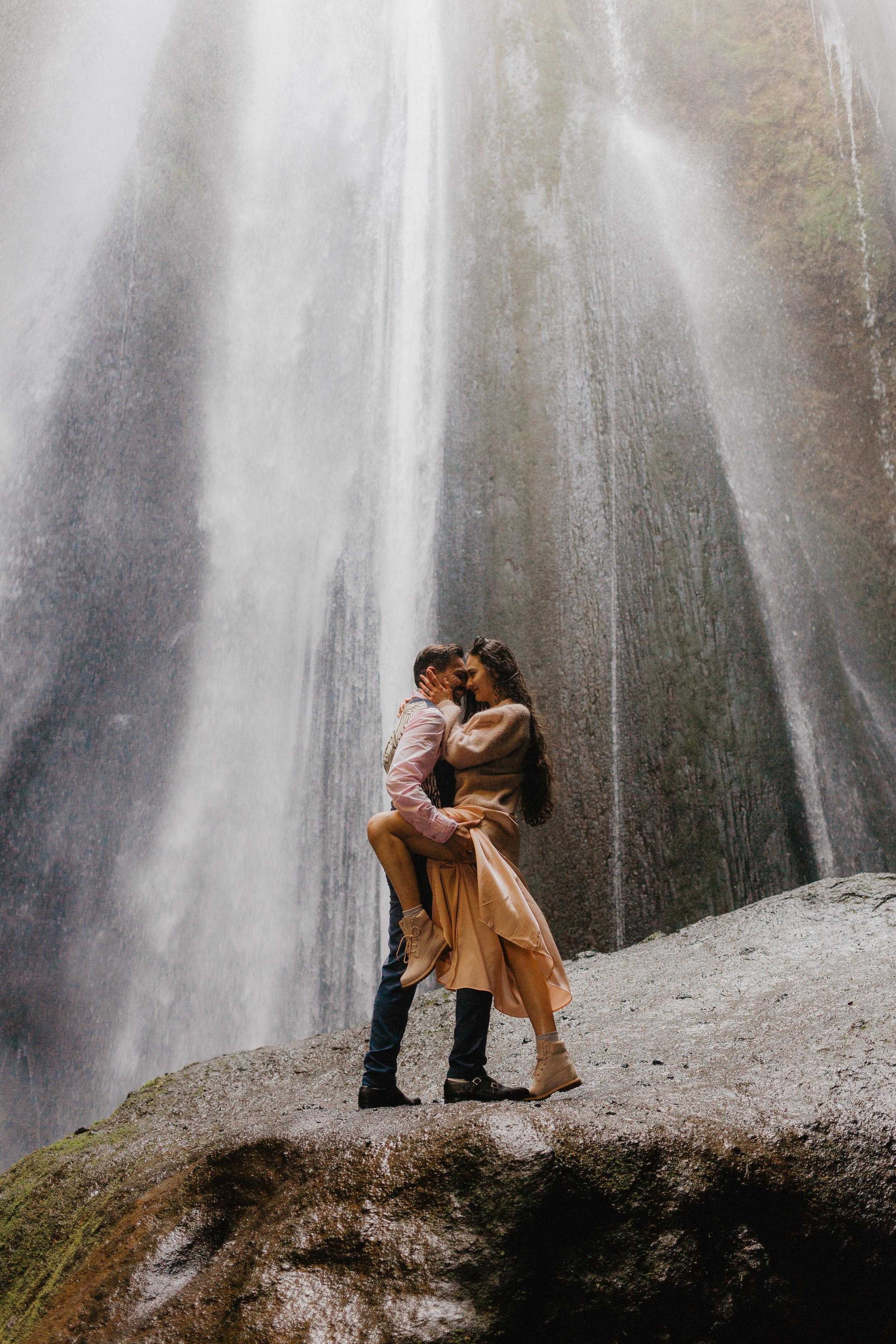 Iceland Couples-114.jpg