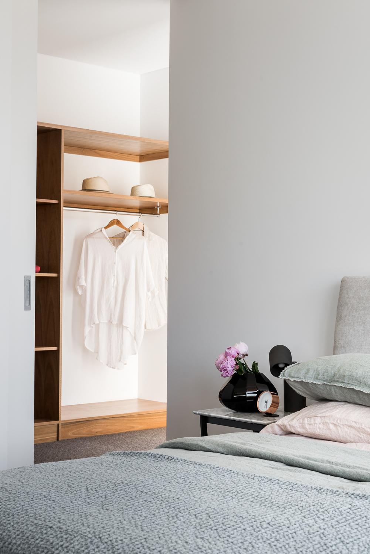 Como Residence by Studio Atelier - Contemporary bedroom.jpg