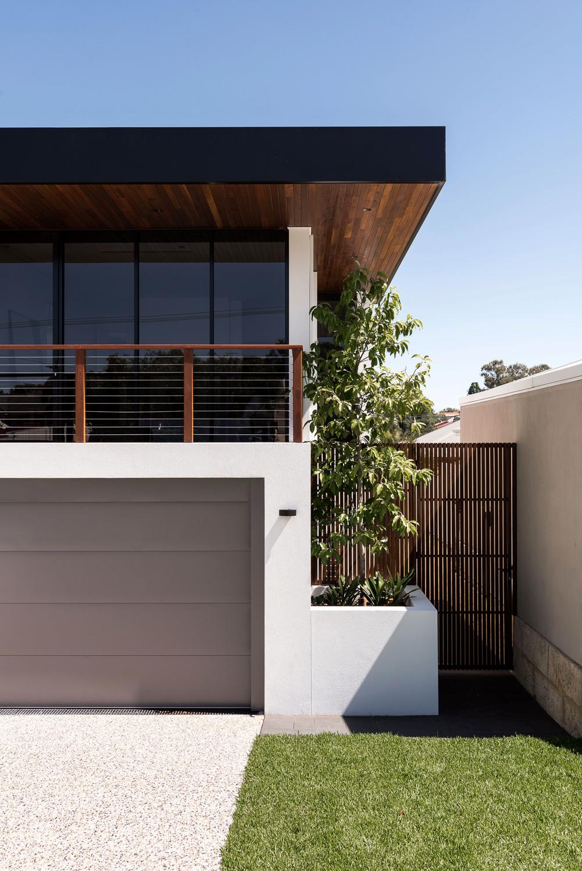 Como Residence by Studio Atelier - Contemporary exterior.jpg