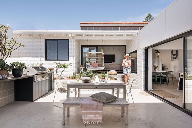 [ W H I T E . O U T ] Because everyone loves a good before and after!     swipe right . Mission brown bricks transformed into a white haven and the floor plan opened up to celebrate the outdoors ☀️ . For more pics of this family Reno hit up #GillespieHousebySA or grab your copy of @insideoutmagazine to read more ✨✨ . . . . #StudioAtelierDesign #SAprojects #renovation #buildingdesign #perthhomes #GillespieHousebySA #interiordesign #architecture #BDAWA #insideoutmagazine #beforeandafter