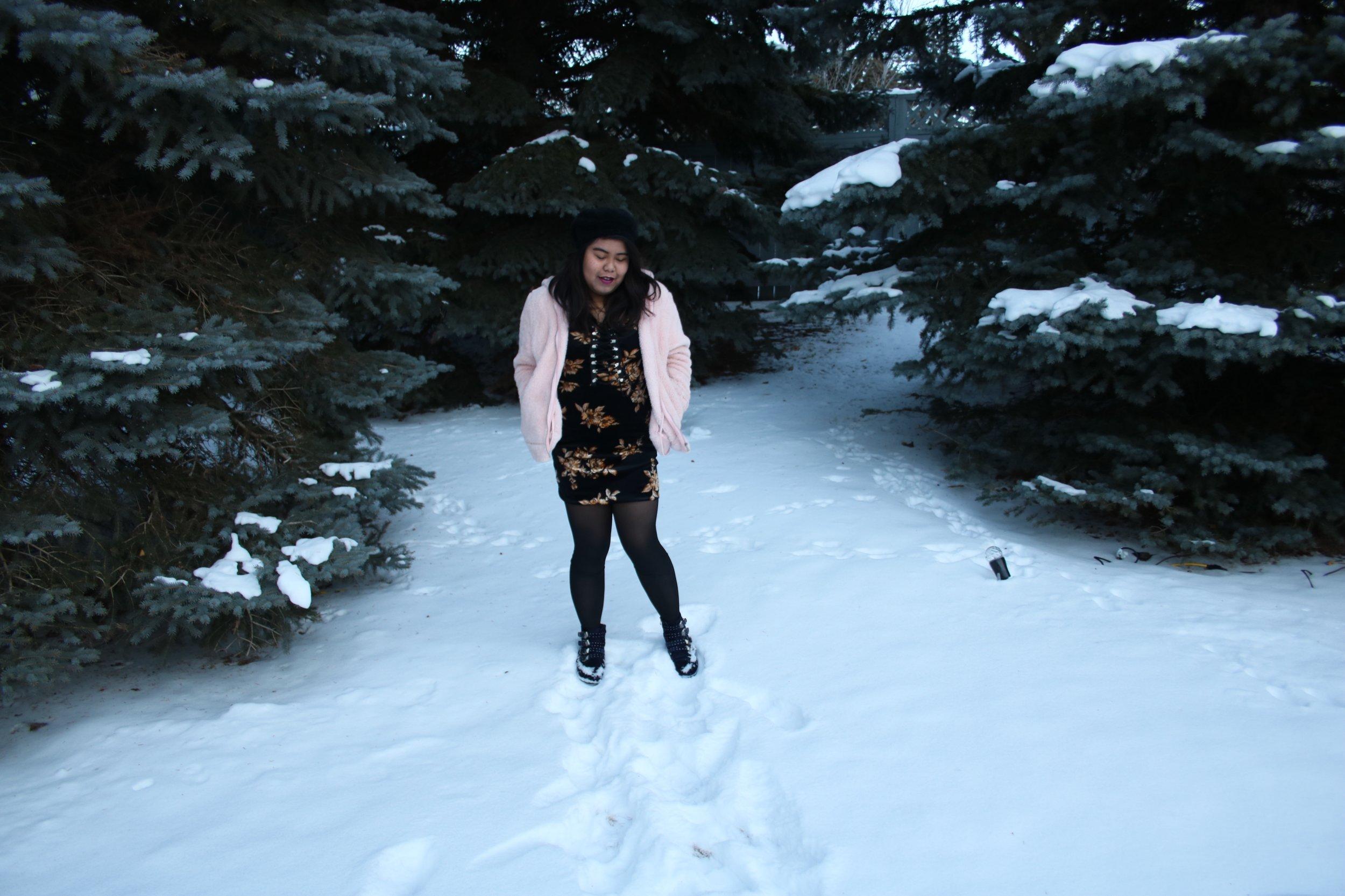 dressing down a black velvet dress, dress down a velvet dress, dress down velvet dress, casually wear velvet, velvet dress casual look, velvet dress for holiday, dress down a black dress, dress down LBD, casually wear LBD, casually wear velvet dress, dress down a dress, dress as casual look, velvet as casual look, black velvet dress, velvet dress for holiday, winter outfit inspiration, velvet dress for winter, how to wear velvet, wear velvet right, wear velvet casually