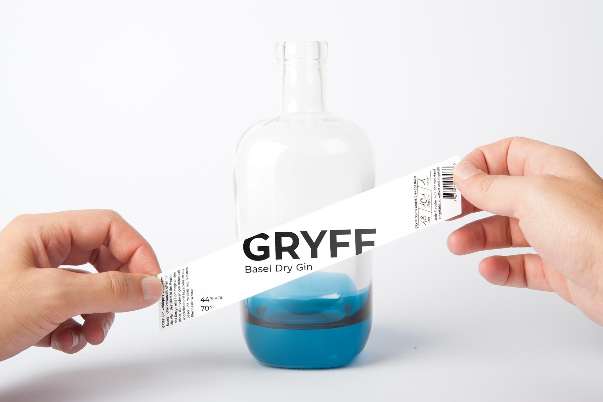 GRYFF_GIN_Etikette_aufkleben2_kl.jpg