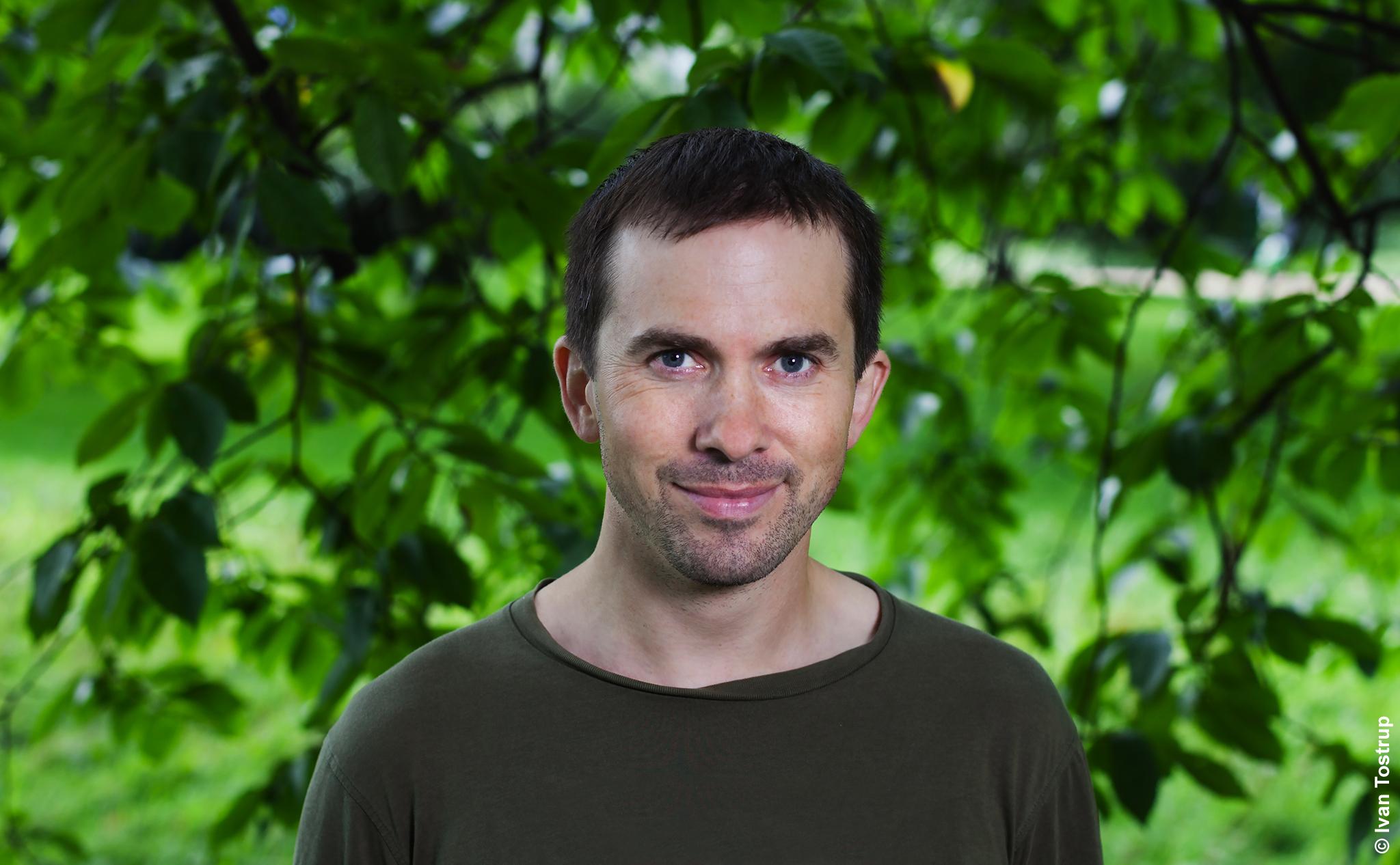 - Sverre Lundemo er seniorrådgiver i WWF Verdens naturfond og arbeider med spørsmål og utfordringer knyttet til forvaltning av arter og natur – hovedsakelig i Norge. Han er utdannet naturforvalter fra NMBU og har en doktorgrad i populasjonsgenetikk fra NTNU. Fugler er en av hans hovedinteresser, og han er en ivrig amatørornitolog.Foto: Ivan Tostrup