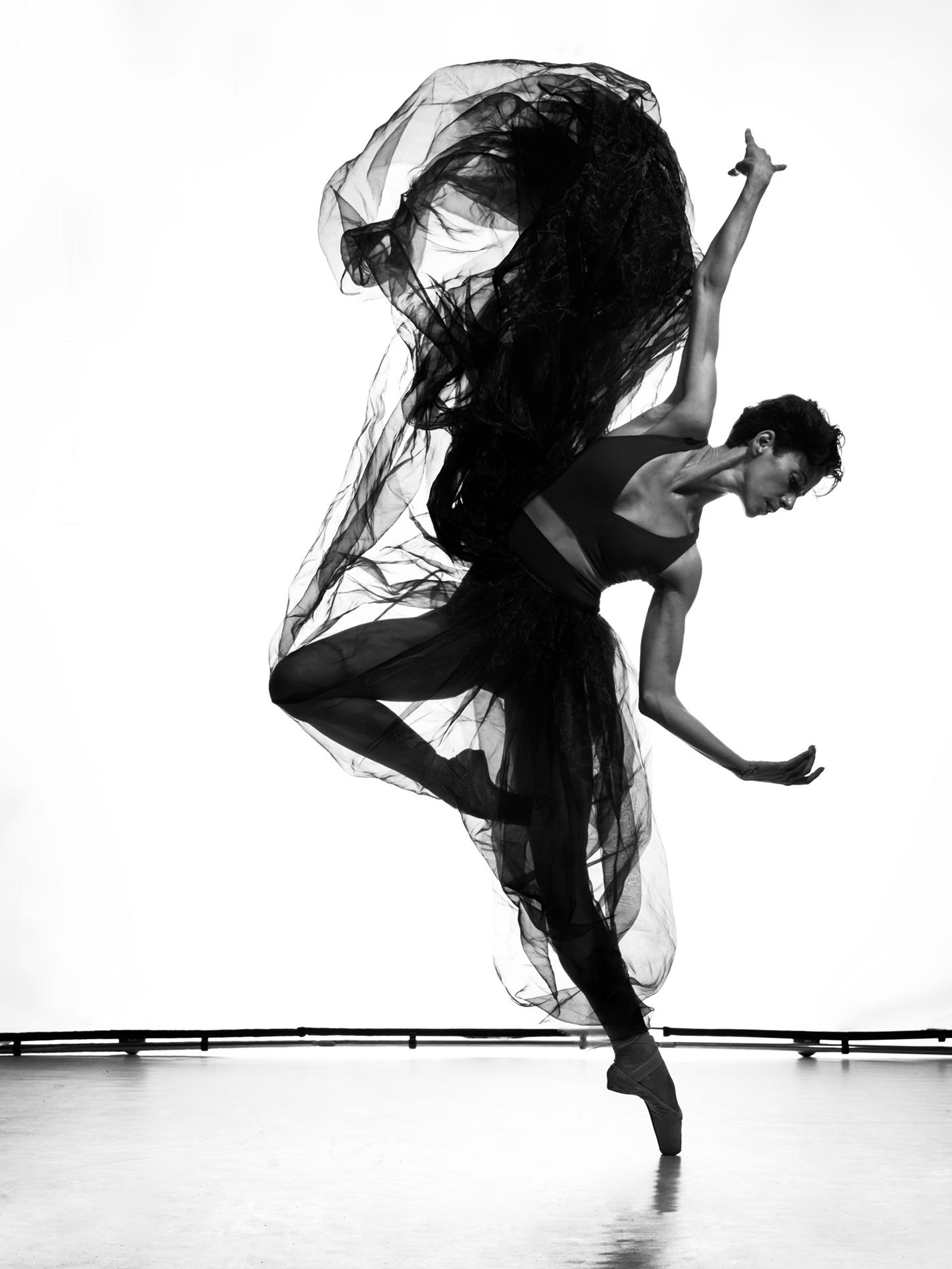 East of the Four Winds   Anjara Ballesteros. Les Ballets de Montecarlo. 2019