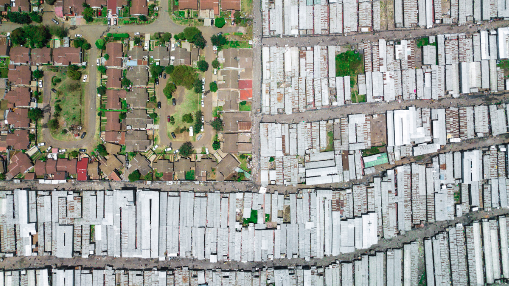 Johnny Miller, Unequal Spaces - Nairobi