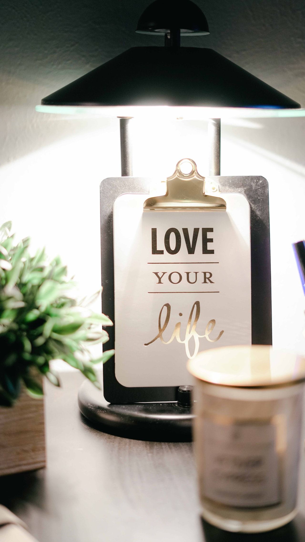 bright-candle-clipboard-811575.jpg