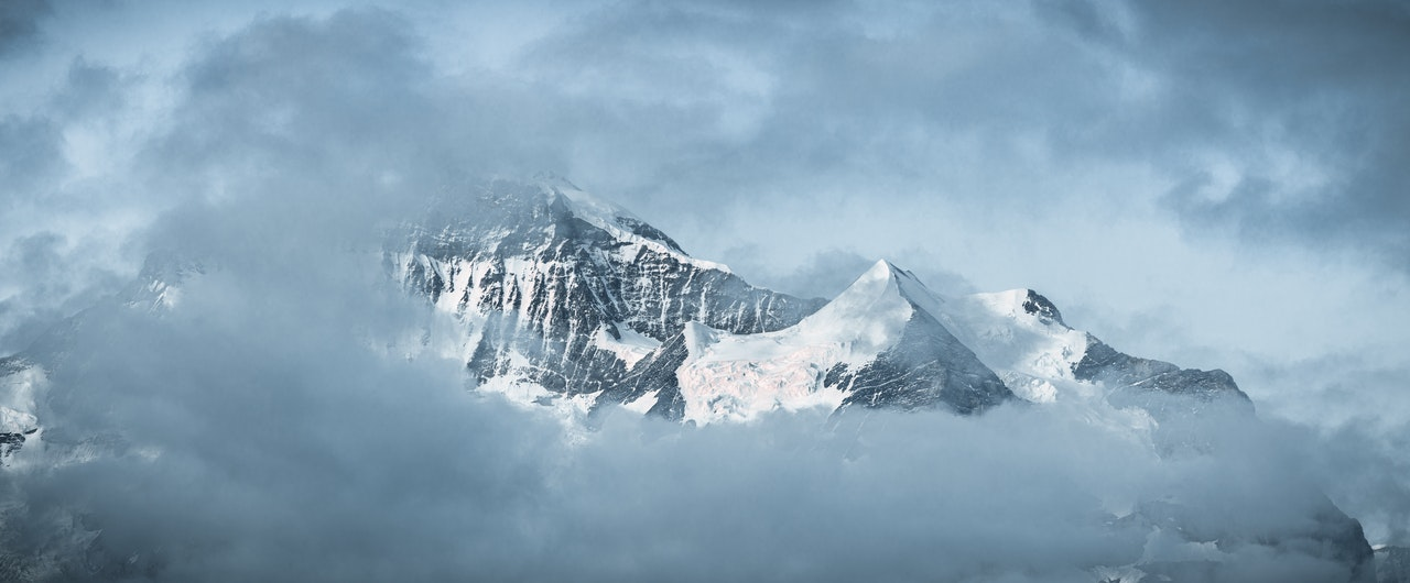 frozen_mountains.jpg
