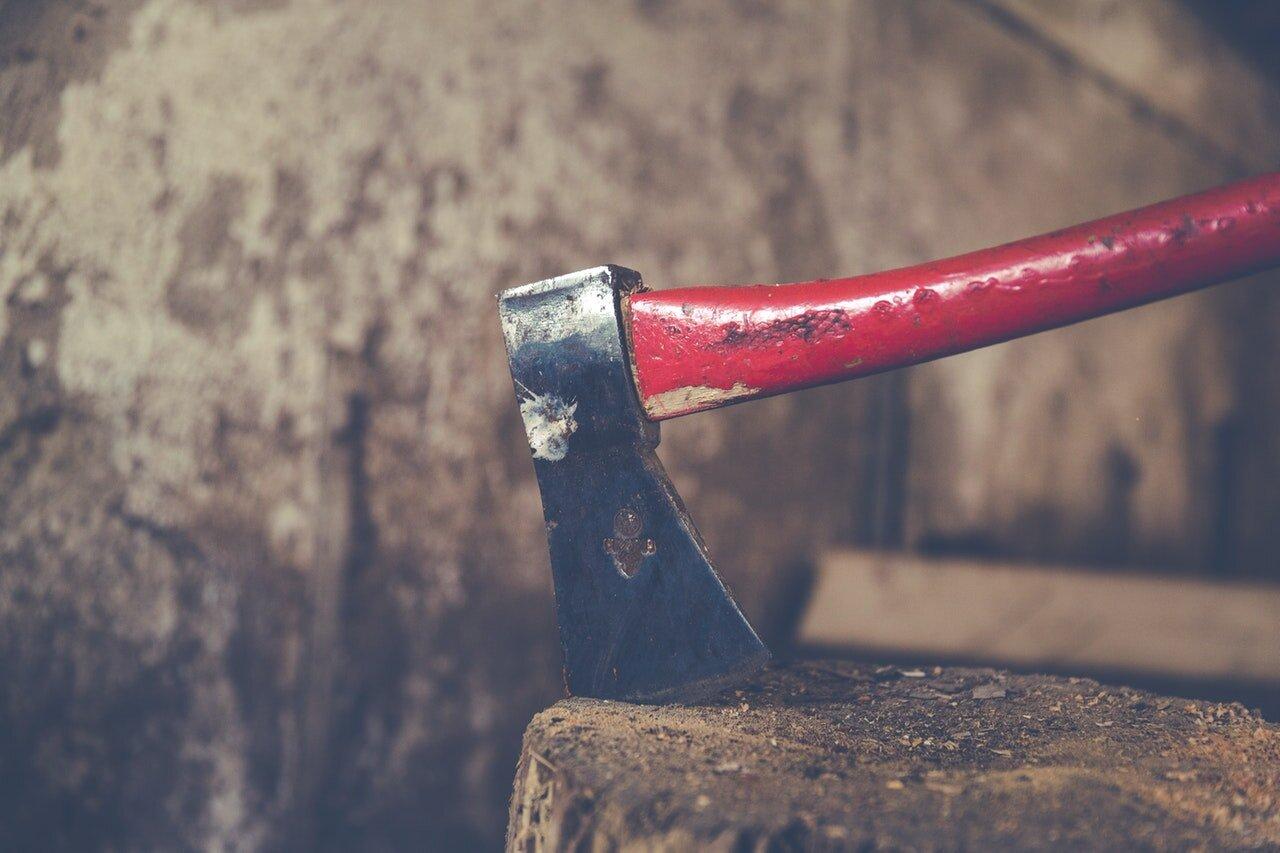 axe-chop-close-up-203553.jpg