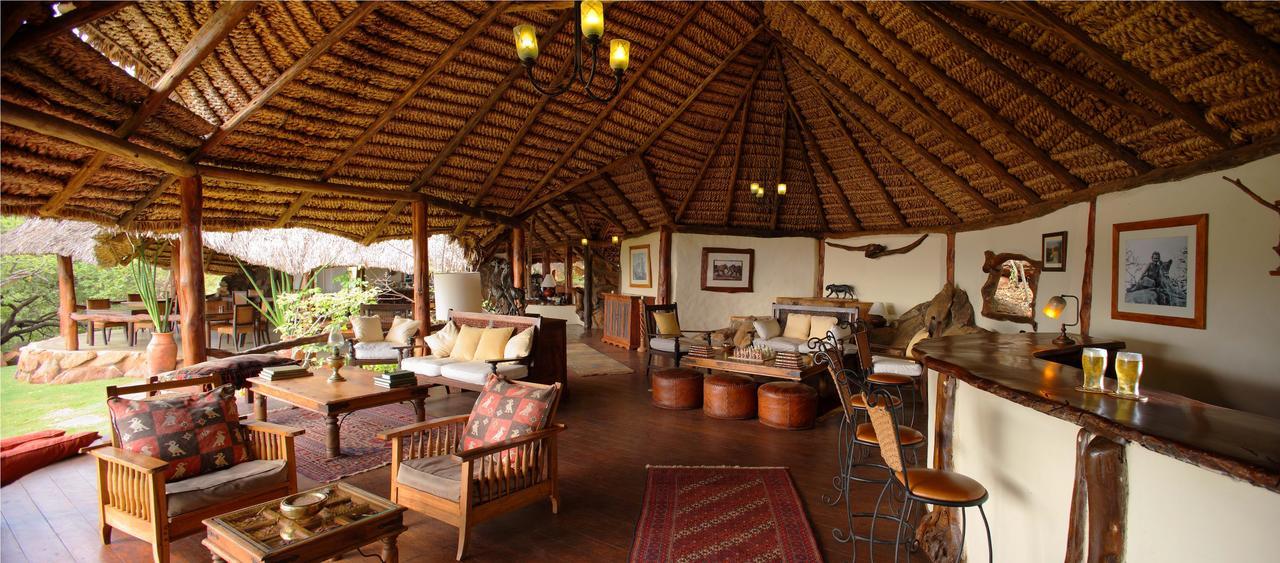 Elsas - Lounge Area.jpg