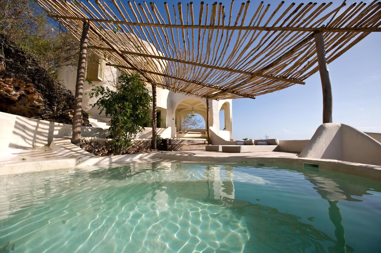 Kilindi-Pavilion-Plunge-pool.jpg