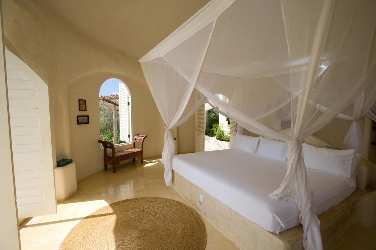 Kilindi-Bedroom-Interior.jpg