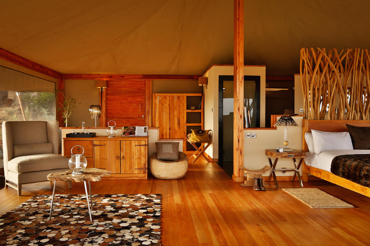 loisaba_tented_camp_-_accommodation-_tent_interior_detail-17.jpg