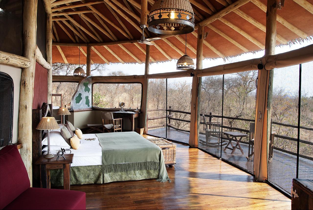 treetops_room_interior1.jpg