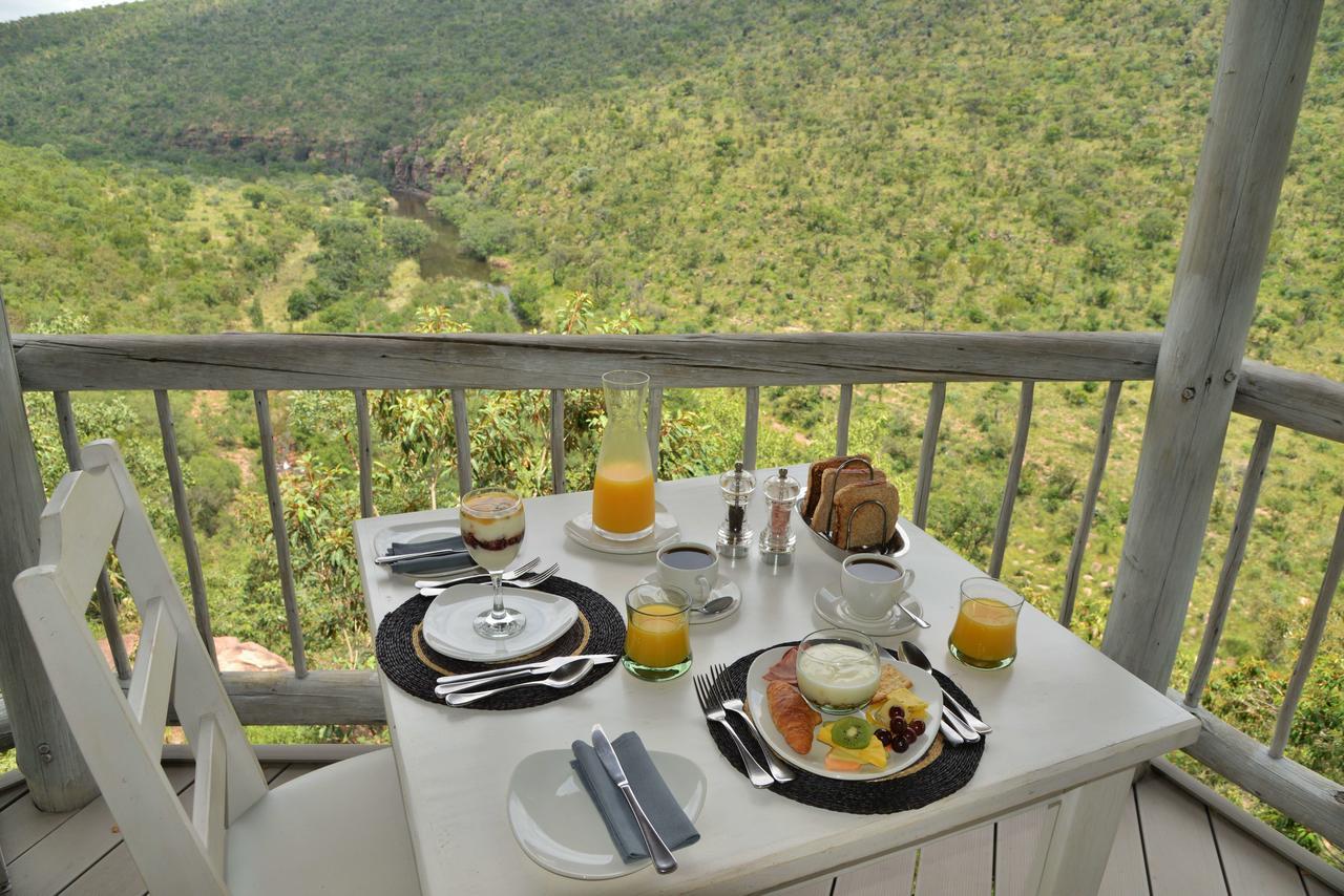 clifftop_exclusive_safari_hideaway_breakfast_1.jpg