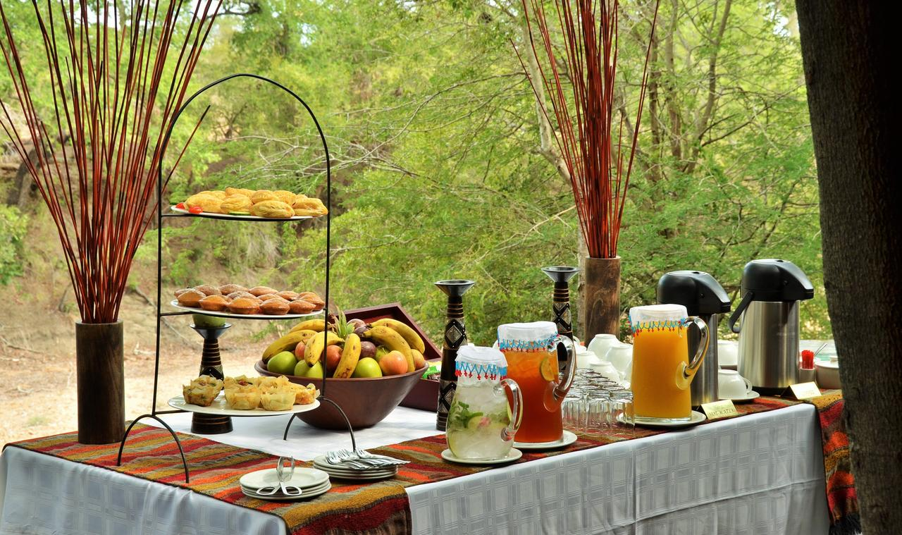 imbali_safari_lodge_breakfast.jpg