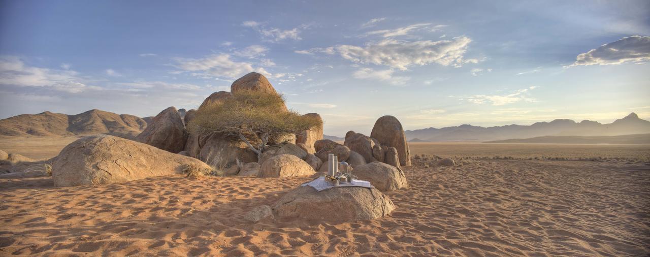 sossusvlei-desert-lodge-picnic.jpg