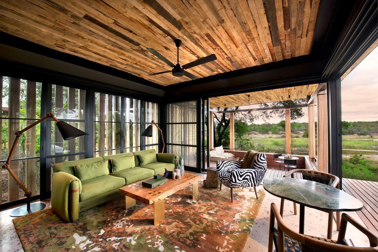 tengile_suite_lounge.jpg