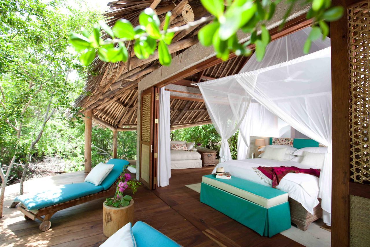 vamizi-island-casamina-master-bedroom-exterior1.jpg