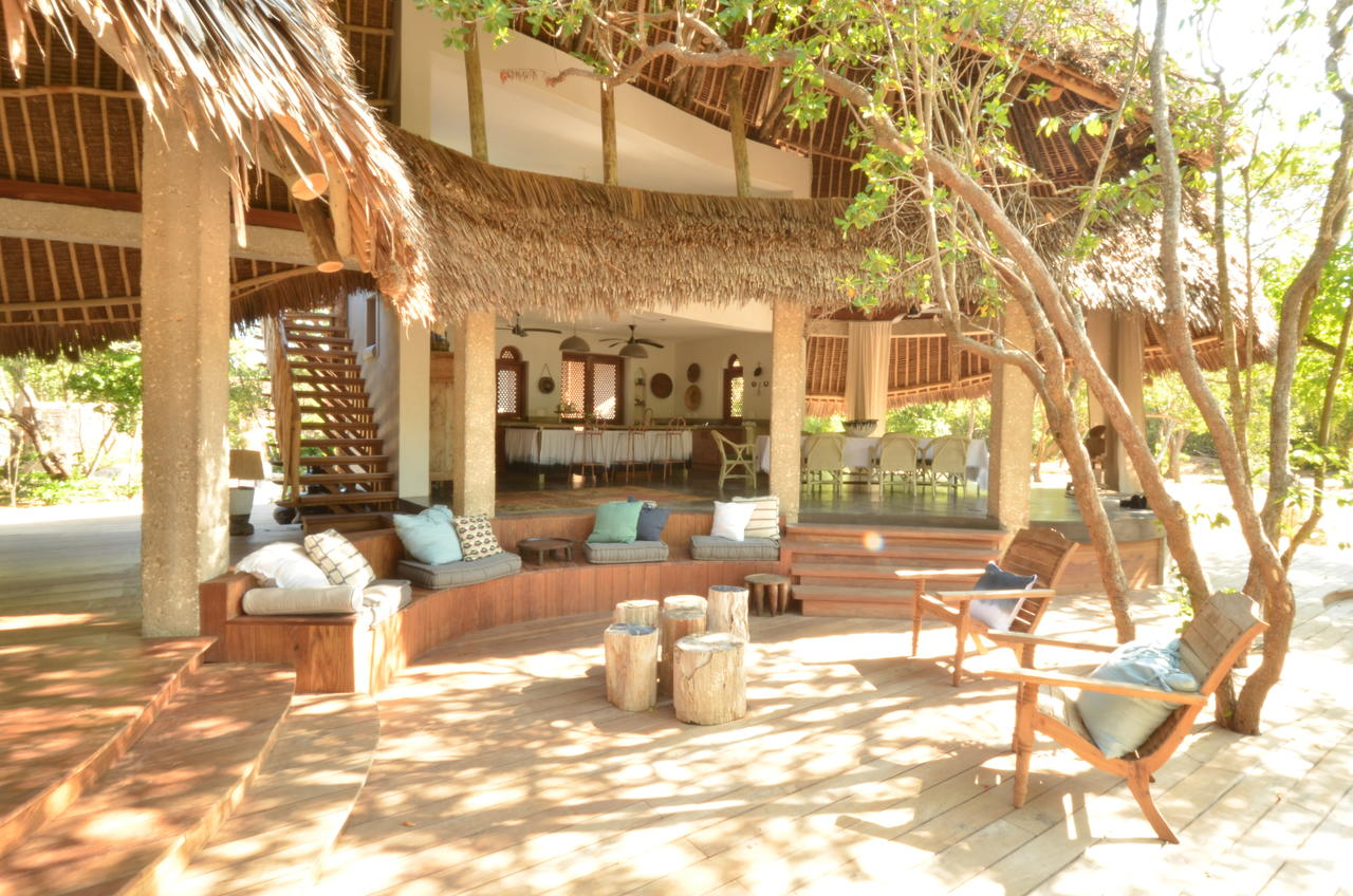 vamizi-island-casa-marjani-outside-living-area1.jpg