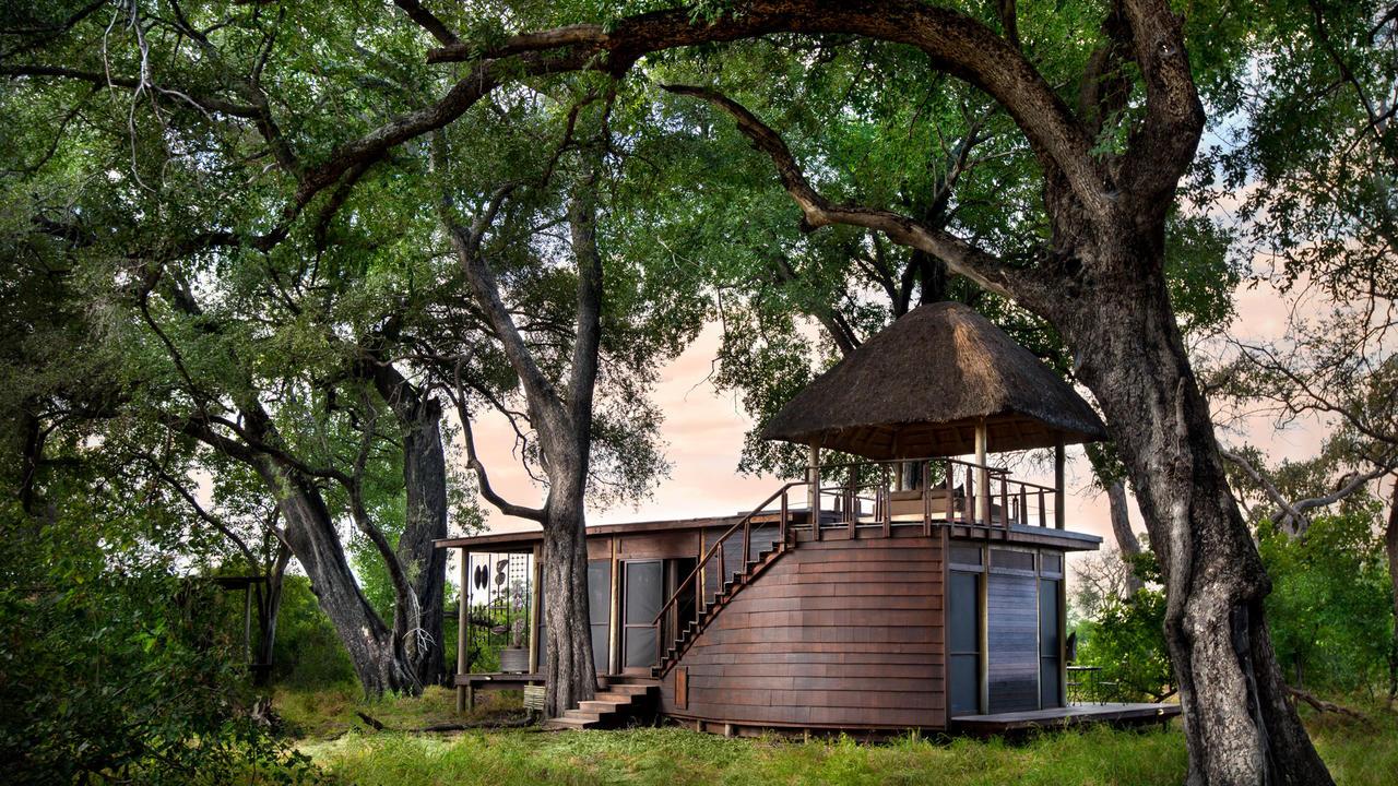 andbeyond-xudum-okavango-lodge-in-botswana.jpg